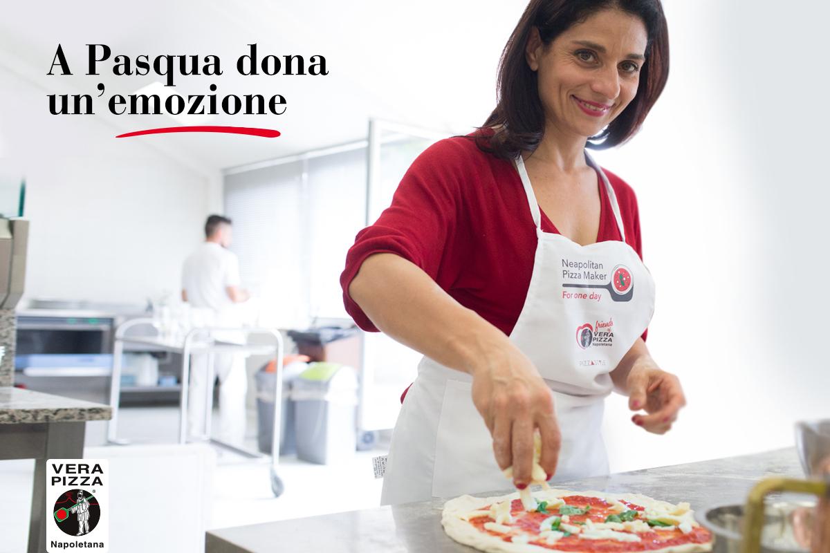 """A Pasqua regala """"Pizzaiolo Napoletano per un giorno"""" e la metà ricavato sarà devoluto alla Protezione Civile."""