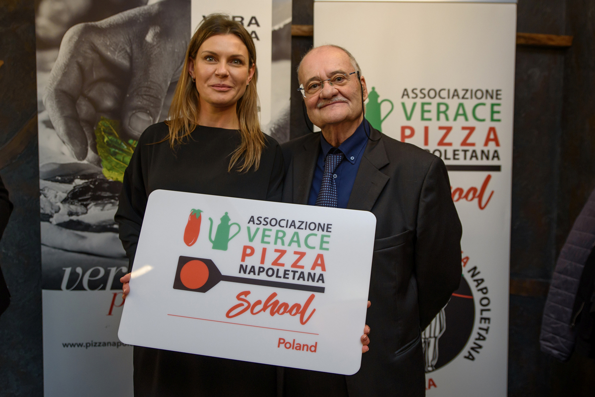 La Vera Pizza Napoletana in Polonia. Intervistiamo oggi Ewelina Przygocka, la direttrice dell'AVPN School di Poznan