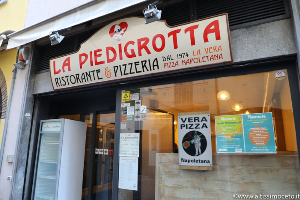 Pizzeria: Pizzeria La Piedigrotta