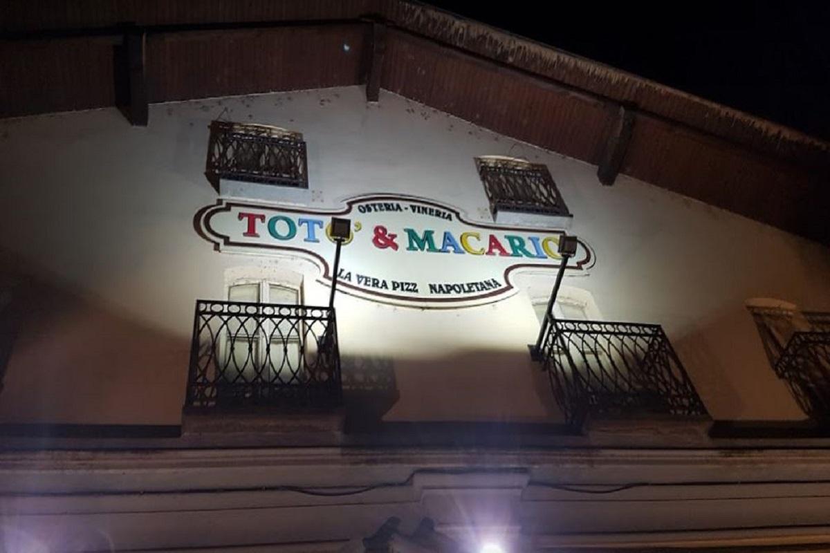 Pizzeria: Totò e Macario