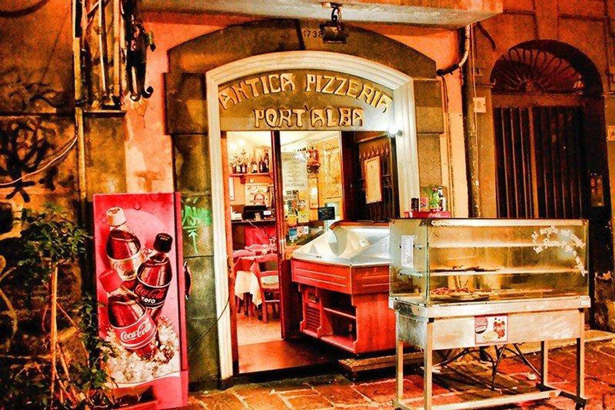 Pizzeria: Antica Pizzeria Port'Alba