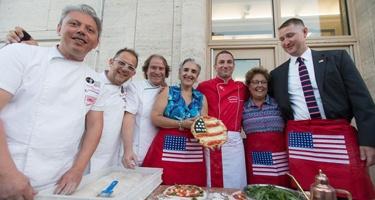 Gran festa al consolato americano con la Pizza Napoletana!