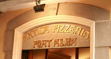 True Neapolitan Pizza in the history, the Antica Pizzeria Port'Alba