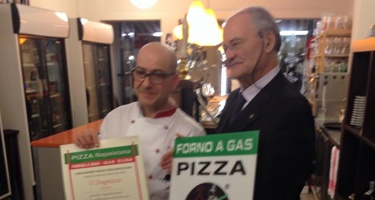 Second National AVPN event for the verace gas oven to certify the pizzeria 'O SCUGNIZZO by PIERO POL